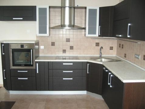 Кухня модерн с алюминиевой рамкой